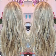 Blond balayage high lights / blond ombré / blond high lights / soft waves /