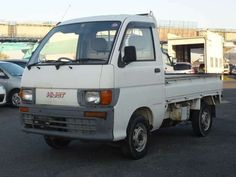 4WD , MANUAL TRANSMISSIONCheap used 1995 Daihatsu Hijet Truck for Sale, ready to ship. CAR FROM JAPAN is the best way to buy cheap second hand Japanese cars. Import directly from Japan with confident. Mercedes Sprinter Camper, Vw Lt, White Truck, Mini Trucks, Daihatsu, Japanese Cars, Trucks For Sale, Manual Transmission, Second Hand