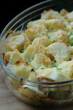 Maak zelf een heerlijke aardappel anders ovenschotel zonder potjes, pakjes of zakjes. Varieer en maak het gerecht geschikt voor je hele gezin.