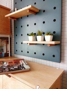 Pegboard organizer and shelves. Peg Board Shelves, Plywood Shelves, Peg Board Walls, Diy Peg Board, Peg Boards, Plywood Board, Plywood Walls, Wood Flooring, Pegboard Display