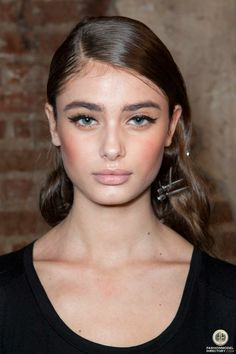 Taylor Marie Hill.   Larger: http://images.fashionmodeldirectory.com/model/000000400595-taylor_hill-fullsize.jpg