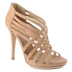 <3 Devi Shoes. http://www.aldoshoes.com/us/women/shoes/platform-pumps/88332826-tomeldan/36