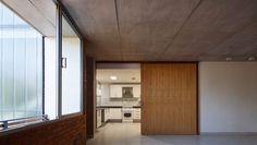 Galería de Edificio Rosas 121 / - = + x - - 12