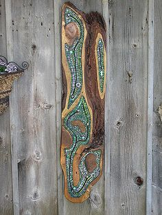 green 1 | Rough Willow wood , stained glass , glass rods and… | Flickr