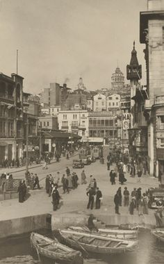 +++++++++++++++++++++ Old and New Photos of Istanbul - Constantinople https://es.pinterest.com/ersanergunsel/-mimar-ve-t%C3%BCrk-geleneksel-mimarisi/