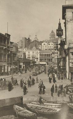 +++++++++++++++++++++ Old and New Photos of Istanbul - Constantinople https://es.pinterest.com/ersanergunsel/-mimar-ve-t%C3%BCrk-geleneksel-mimarisi/