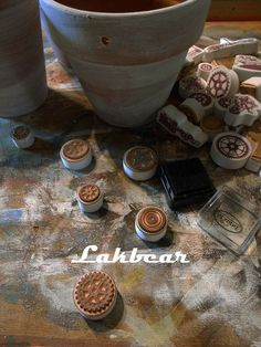 Lakbear has shared 2 photos with you! Handmade Stamps, Photos, Diy, Pictures, Bricolage, Do It Yourself, Homemade, Diys, Crafting