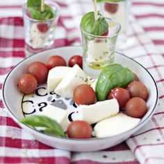An Italian classic this time presented on a stick... sounds like good party food to me :)