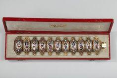 Bracelet en or, émail et pierres fines, milieu du XIXe siècle