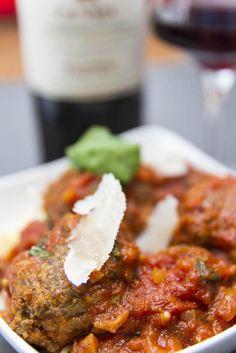 boulettes de viandes à l'italienne http://www.unventresurpattes.fr/2015/03/boulettes-de-viande-et-capellini/