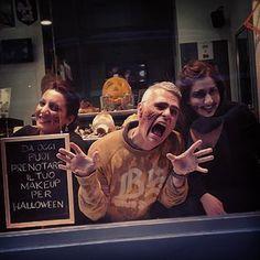 www.marianoparisi.com @marianoparisi #makeupartist #marianoparisi #halloween #igerstorino #hair #barbershop #barbiere #parrucchiere #torinocentro #apertoillunedì #hairstylist #capelli #beauty #uomo #torino #style #hairstyle #makeupartist #haircolor #sfx #trend #colpidisole #marianoparisi #makeup #torinotoday #splashlights #Torino #Tohorror #horror #transformation  #trucco #sex #maschere #cosplay