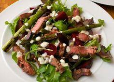 Steak, Beetroot and Asparagus Salad Rump Steak, Beef Salad, Asparagus Salad, 300 Calories, Beetroot, Green Beans, Yummy Food, Meals, Dinner