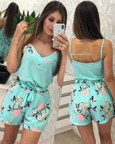 Swans Style is the top online fashion store for women. Crop Top Outfits, Short Outfits, Casual Outfits, Cute Outfits, African Fashion Dresses, Hijab Fashion, Girl Fashion, Fashion Outfits, Look Con Short