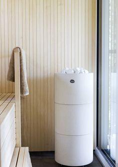 kuva Sauna House, Sauna Room, Bathroom Goals, Laundry In Bathroom, Modern Saunas, Sauna Seca, Sauna Shower, Sauna Design, Outdoor Sauna