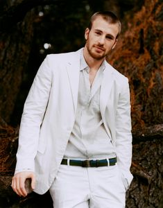 Chris Evans | White suit |   (1295×1650)