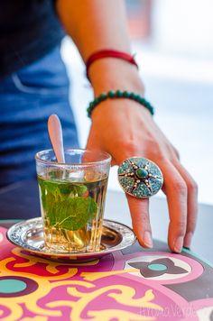 Restaurant Sindbad are o multitudine de preparate vegane și vegetariene tradițional libaneze și turcești și îl recomand pentru cel mai bun foul moudamas.
