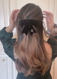 Hairstyles Haircuts, Pretty Hairstyles, Perfect Hairstyle, Kawaii Hairstyles, Shot Hair Styles, Long Hair Styles, Hair Styler, Aesthetic Hair, Hair Inspo