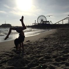 Acroanna @presshandstands Santa Monica hand...Instagram photo | Websta (Webstagram)