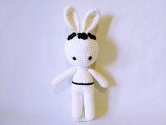 Image of Conejita Amigurumi con Flores *Amigurumi Bunny with Flowers