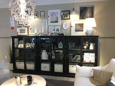I like the height of this - molly Dining Room Design, Interior Design Living Room, Dining Cabinet, Red Rooms, French Interior, House Rooms, Living Spaces, Family Room, Ikea
