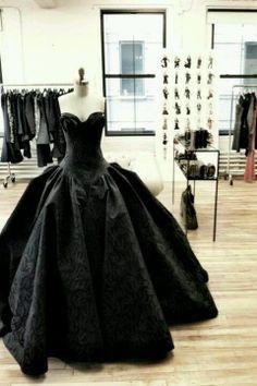 Black Wedding Gown by Zac Posen Black Wedding Dresses, Wedding Gowns, Party Wedding, Dream Wedding, Party Gowns, Wedding Venues, Wedding Ideas, Wedding Black, Luxury Wedding