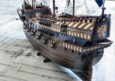 Late Century scale model Galleon from The Art of Age of Sail. Scale Model Ships, Scale Models, Golden Lions, Hms Victory, Ghost Ship, Wooden Ship, Tall Ships, Model Building, 16th Century
