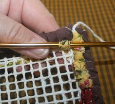 Do you have scrap fabrics? Well locker hooking is the perfect way to use up lo. Locker Hooking Do Yarn Crafts, Sewing Crafts, Sewing Projects, Locker Hooking, Rug Hooking, Fabric Rug, Fabric Scraps, Scrap Fabric, Locker Rugs