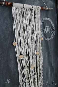 Mrs. Monday: DIY Rustikk vegg-pynt // DIY Rustic Wall hanging