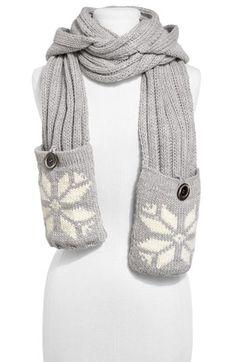 Nordic pocket scarf