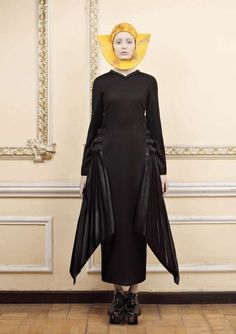 Ria Keburia is a genius. This while collection is gorgeous. It has a very elegant, very sharp, and very front-and-center  presentation.