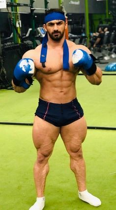 Muscle Fitness, Muscle Men, Fitness Tips, Mustache Styles, Gym Workout Tips, Sport Football, Sport Man, Captain America, Lgbt