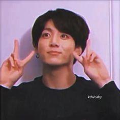 Foto Jungkook, Jungkook Cute, Foto Bts, Bts Taehyung, Bts Jimin, Bts Funny Videos, Bts Memes Hilarious, Bts Video, Foto E Video
