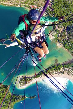 Paragliding in Ölüdeniz: A Spectacular Place from every Perspective | Ölüdeniz in Southern Turkey offers everything for the great escape: Paragliding, enchanting blue lagoons and Turks with a British accent... | via @Just1WayTicket