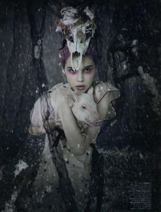 FamilyCircus, Anais Pouliot by Paolo Roversi for W December 2010, Family Circus06