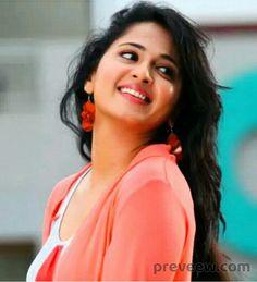 Anushka Shetty Photos - #899 #anushkashettyphotos #anushkashetty Beautiful Girl Indian, Beautiful Girl Image, Beautiful Indian Actress, Most Beautiful Women, Beautiful Actresses, Actress Anushka, Bollywood Actress, Tamil Actress, Photography Women
