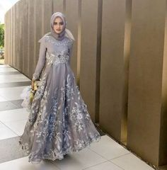 Dress maxi party fashion ideas for 2019 Hijab Gown, Hijab Evening Dress, Hijab Dress Party, Dress Brokat, Kebaya Dress, Trendy Dresses, Tight Dresses, Casual Dresses, Muslimah Wedding Dress