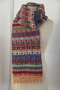 Scarf with crochet lace idea scarf: Rowan . : Scarf with crochet lace Idea scarf: Rowan Fair Isle Knitting Patterns, Fair Isle Pattern, Knitting Charts, Hand Knitting, Knitting Machine, Vintage Knitting, Fair Isles, Rowan, Shawls And Wraps