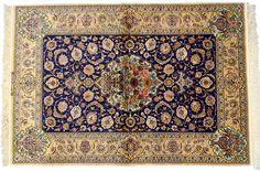 Tapis de collection ispahan - 210 x 144 cm - laine et soie - Iran - 9500 € - www.tapisdorient.net