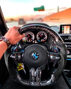 Rate This Forged Carbon Steering Wheel 1 to 100 Super Sport Cars, Super Cars, Gs 1200 Bmw, Bmw M5 F10, Bmw Interior, Bmw Girl, Bmw 7, Bmw Wallpapers, Bugatti Chiron