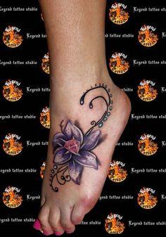 foot tattoo | ... tattoo_studio_foot_tattoo_color_tattoo_lady_tattoo_flower_tattoo