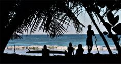 Hey, dernière pause surf avant le week-end !!!  #Theline #surf #shop #blog #video  http://www.theline-blog.com/harliga-costa-rica/11/04/2014/
