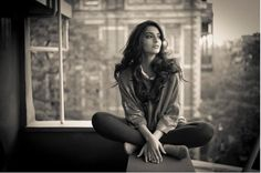 'Phenomenal Woman, That's me' Sonam brings out the poetess in her with this candid pic!