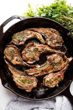 Garlic Herb Lamb Chops Garlic Herb Lamb Chops are easy to make and taste like they came from a high end restaurant. You'll impress everyone at the table with this delicious lamb recipe! Best Lamb Chop Recipe, Lamb Chop Recipes, Meat Recipes, Cooking Recipes, Healthy Recipes, Healthy Food, Dinner Recipes, Lamb Loin Chops, Rosemary Lamb Chops