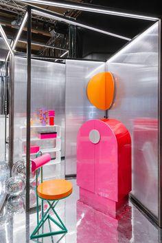 #Shuttle #cabinet, #Cyber #chair and #Lunar #mirror design #AntonioAricò for #altreforme @Salone del Mobile.Milano #MetallicDiscoGalaxy #Galactica #altreformestarringChupaChups new collections 2017 #designweek #interior #home #decor #homedecor #furniture with #woweffect #aluminium #art #architecture #design #decoration #interiordesign #fashion #style #home #hotel #milan #italy #madeinItaly #bespoke #luxury #furnishing