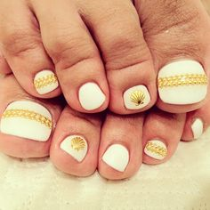 Summer!!! white shell nail