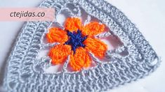 Granny triangular a ganchillo Crochet Granny, Crochet Hats, Photo Tutorial, Triangle, Crochet Patterns, Shapes, Flowers, How To Make, Free