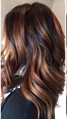 Tortoiseshell Hair Color Ideas And Looks Schildpatt-Haarfarbe-Ideen und Blicke Ombre Hair Color, Hair Color Balayage, Hair Highlights, Haircolor, Caramel Highlights, Bayalage, Tortoise Shell Hair, Great Hair, Pretty Hairstyles