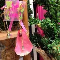 新しく作った花びらイヤリングANDピアス♡ LIVE会場で見つけてねฅʕ•̫͡•ʔฅ