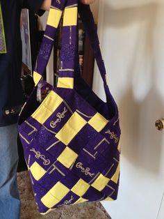 Crown Royal Mondo Bag I made for a friend. Crown Royal Quilt, Crown Royal Bags, Rag Quilt Purse, Royal Pattern, Royal Party, Diy Crown, Bottle Bag, Purse Patterns, Tote Purse