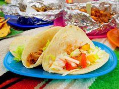 メキシカン料理 タコス作り方 サルサソース 簡単レシピ Bread Recipes, Tacos, Ethnic Recipes, Food, Meal, Eten, Meals